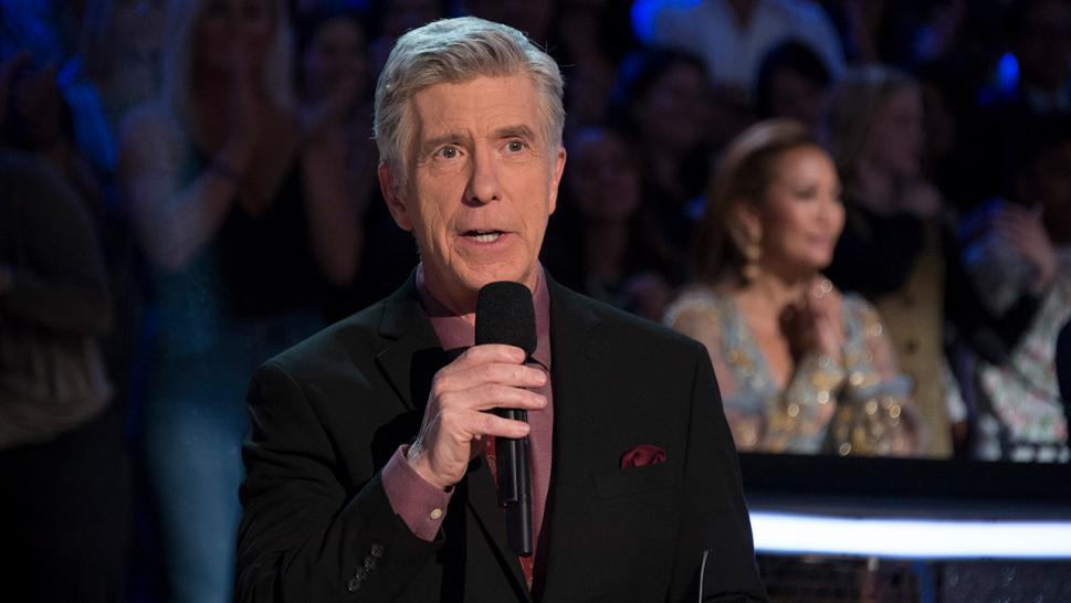 """Dancing With the Stars"" co-host Tom Bergeron is throwing shade at the recent announcement that former White House Press Secretary Sean Spicer has joined the recent cast."