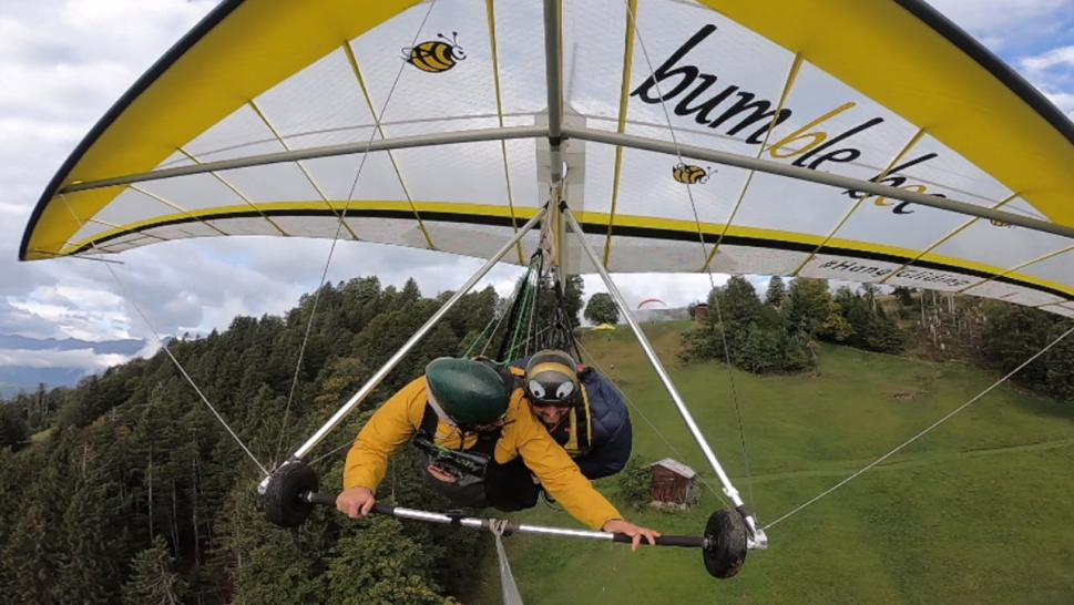 Chris Gursky gives hang-gliding a second chance.
