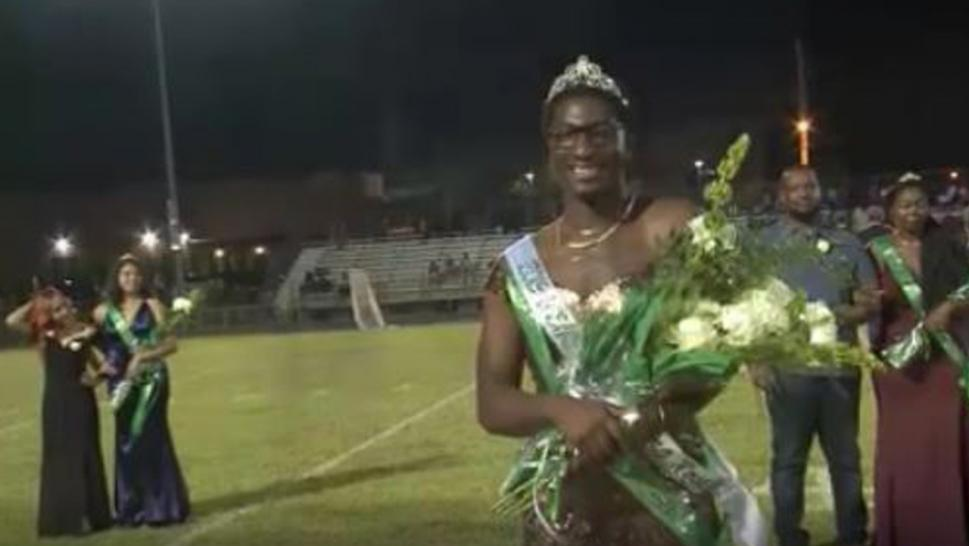 Gay Tennessee teen accepts gender neutral homecoming crown.