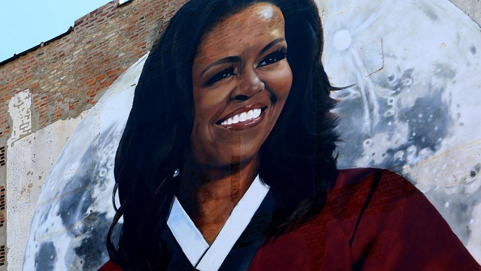 Desperate Democrats want Michelle Obama to run for president.