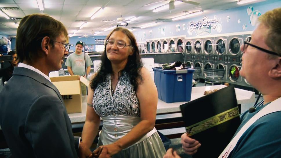Homeless Couple Gets Married in Laundromat