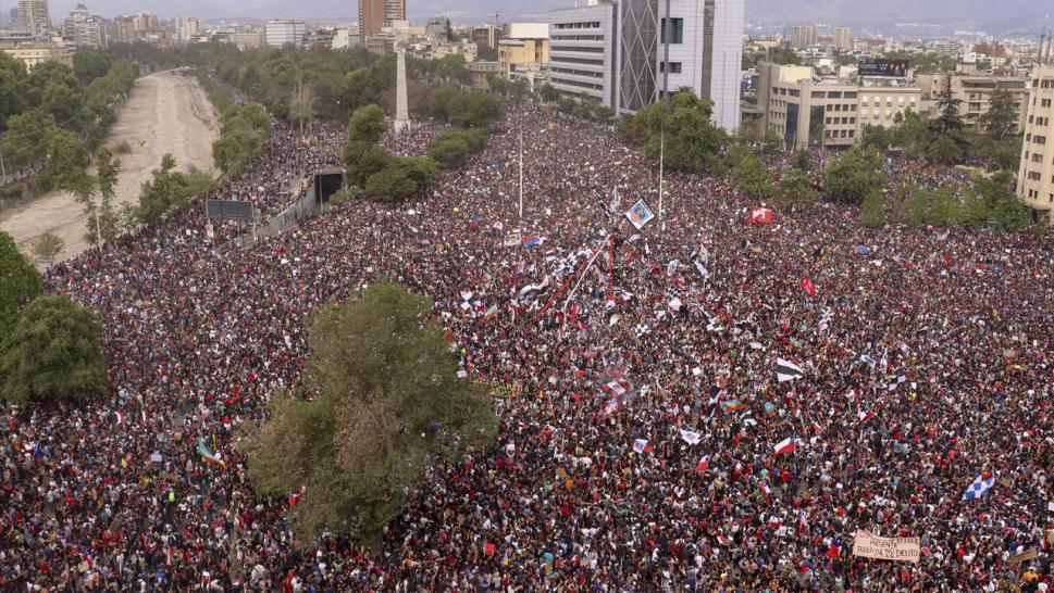1 Million People Peacefully Protest in Chile's Capital