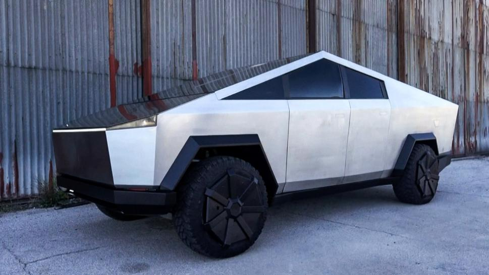 Bosnian Man Builds Tesla Lookalike Out of Ford