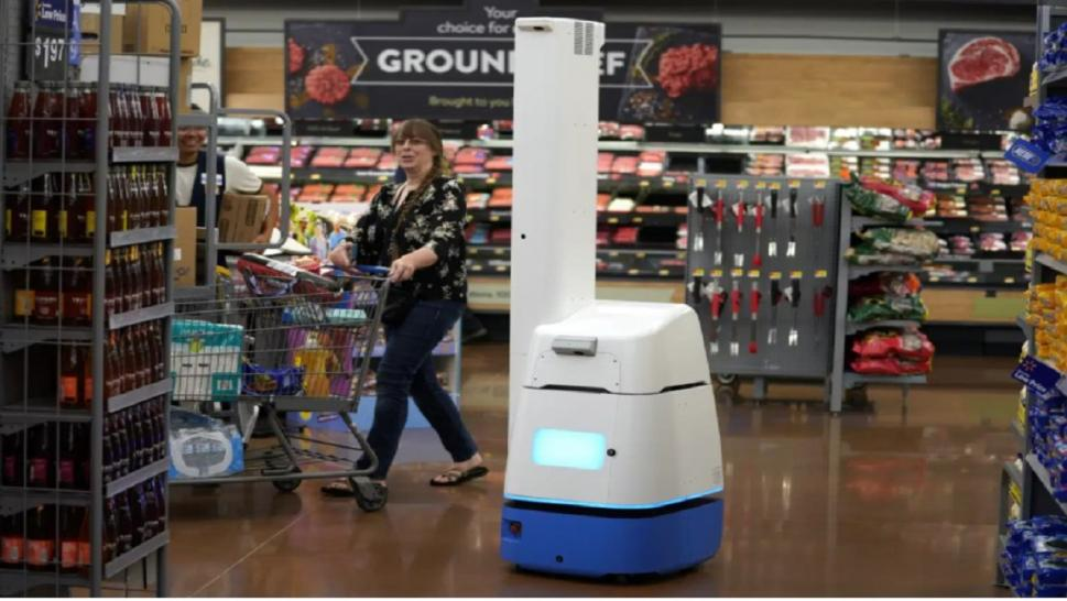 Walmart says it will no longer use robots to check inventories.
