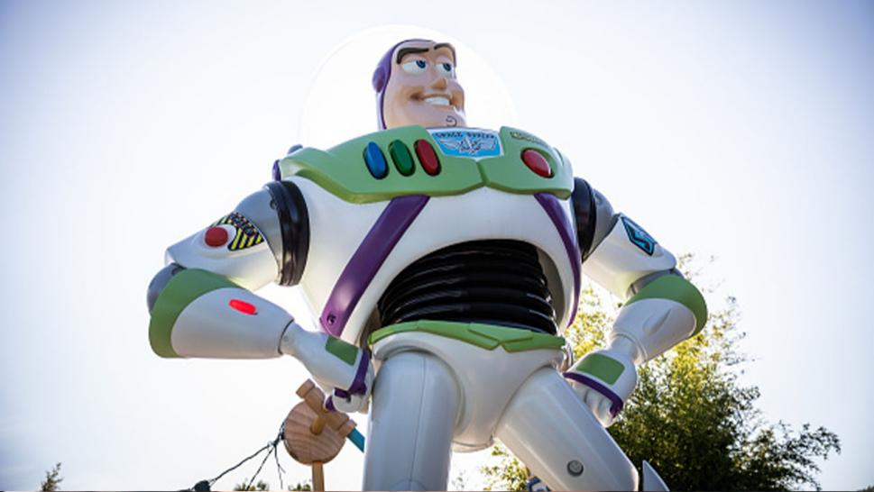 Buzz Lightyear gets reunited with its 2-year-old owner after getting left behind on airplane.