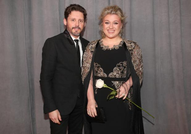 Kelly Clarkson at Grammys.