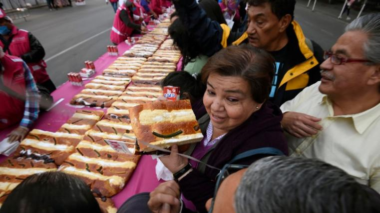 In Mexico, rosca de reyes is a favorite treat.