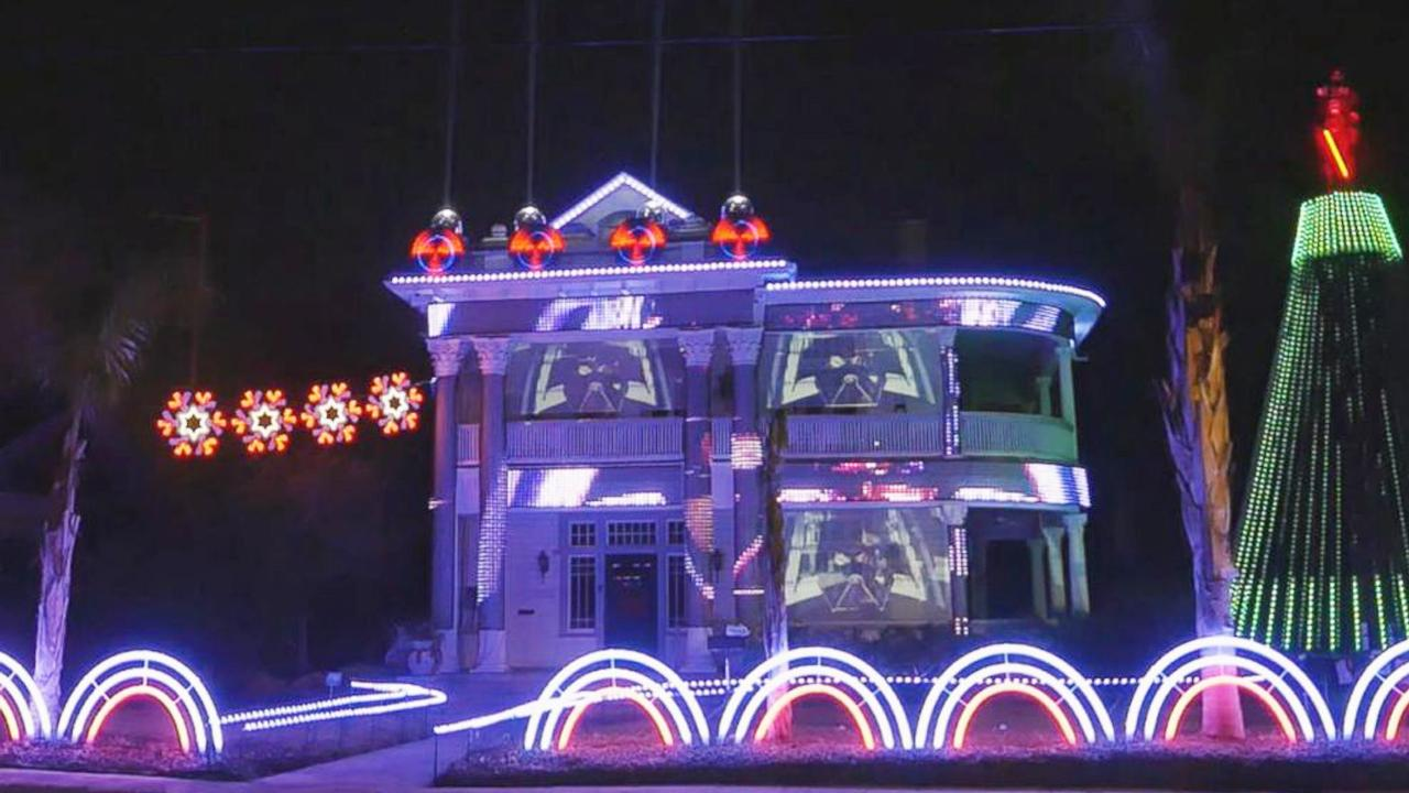Elaborate \'Star Wars\' Christmas Lights Display draws crowds to h ...