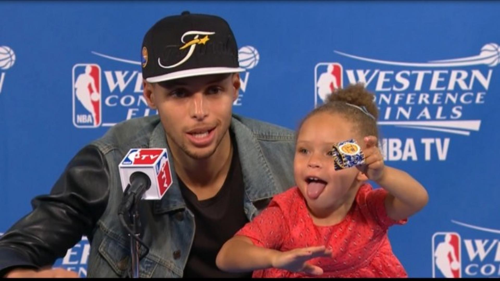 Stephen Curry S Daughter Steals The Show Again At Nba Postgame Interview Inside Edition