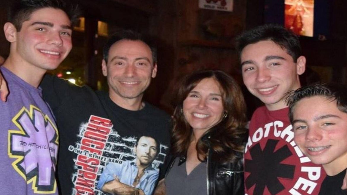 The Steinberg family perished in a sightseeing plane crash.