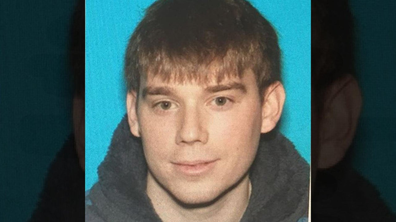 Tennessee Waffle House shooting: 4 dead, suspect at large