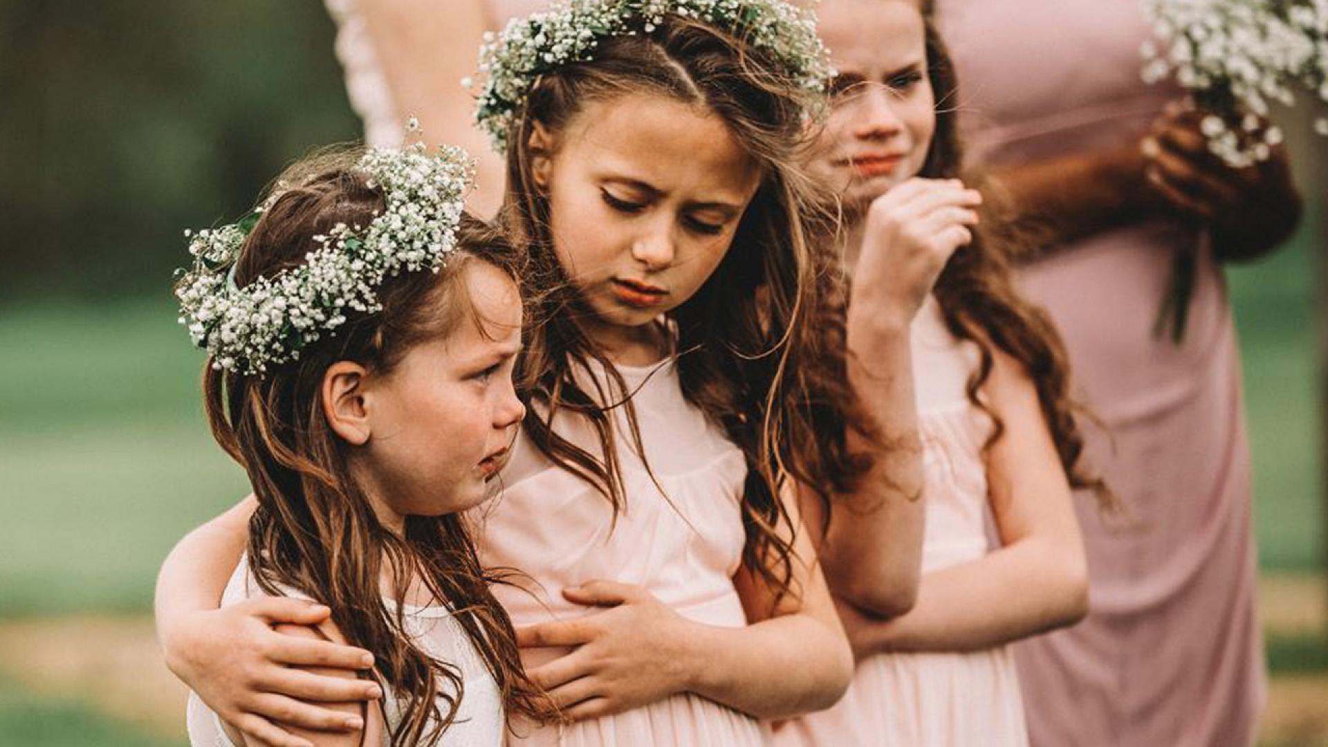 Lexi Gibson was overcome with emotion at her parents' wedding.