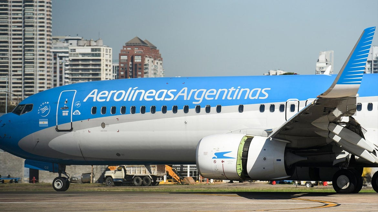 An Aerolineas Argentinas plane