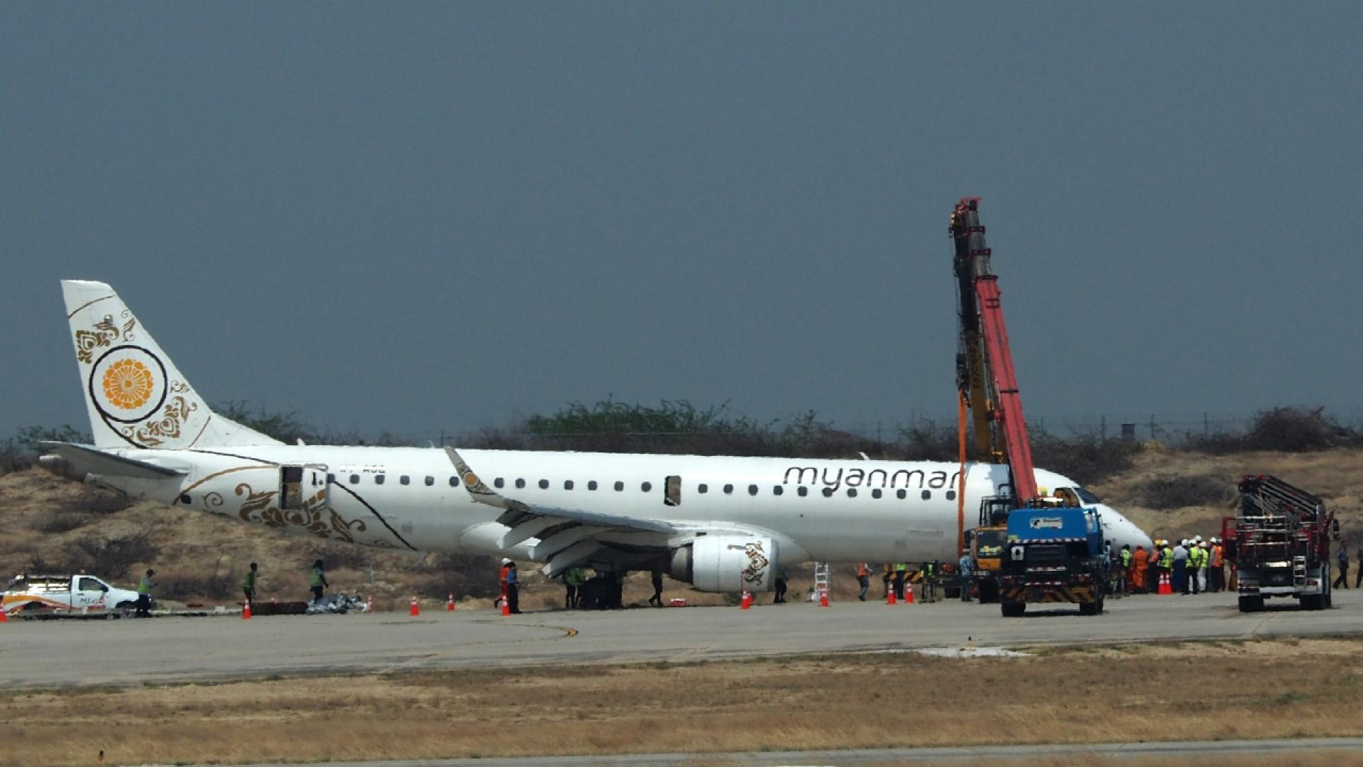 A plane made an emergency landing without any front wheels.