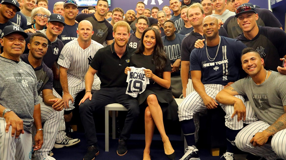 Meghan Markle and Prince Harry hang out with the Yankees in London.