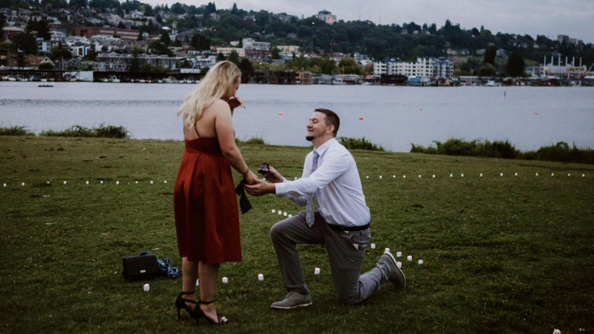 Joshua Green of Kansas City, Missouri, planned the elaborate proposal in Gasworks Park in Seattle.