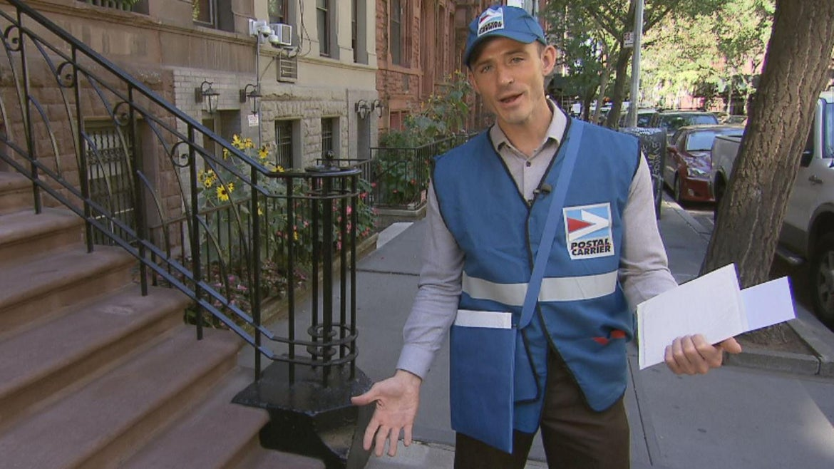 Inside Edition's Steven Fabian hit the streets of New York City in costume to show how easy it is to convince some people into thinking he's a mail carrier.