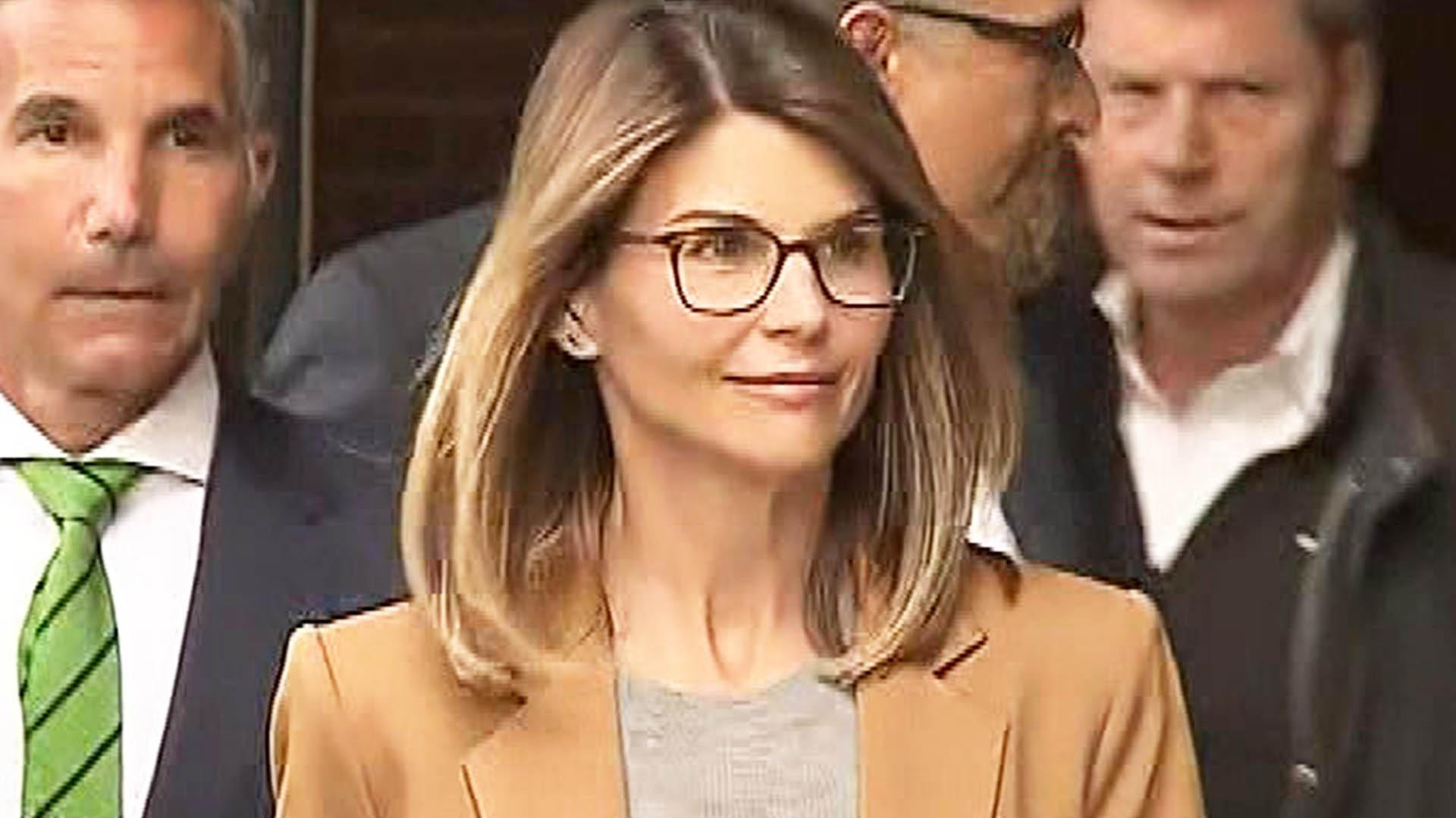 Lori Loughlin Sentenced to 2 Months in Prison for College Bribery ...