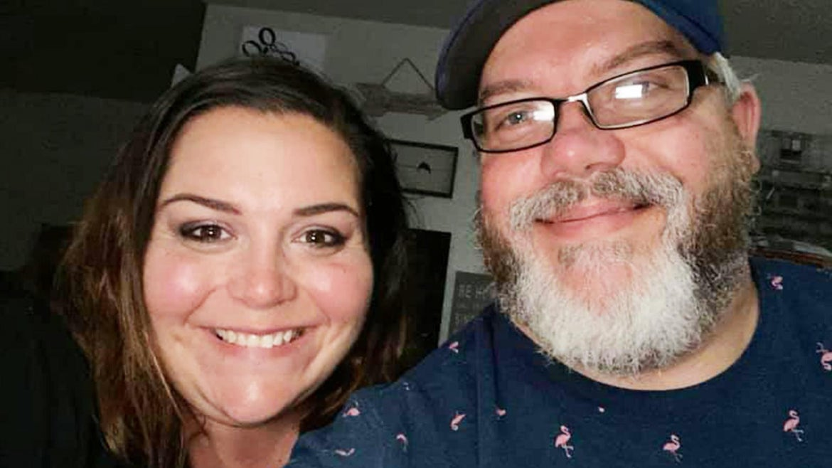 """Kris and Brandy Houser had been married for 21 years when they were forced to say their final """"I love you"""" through a window."""