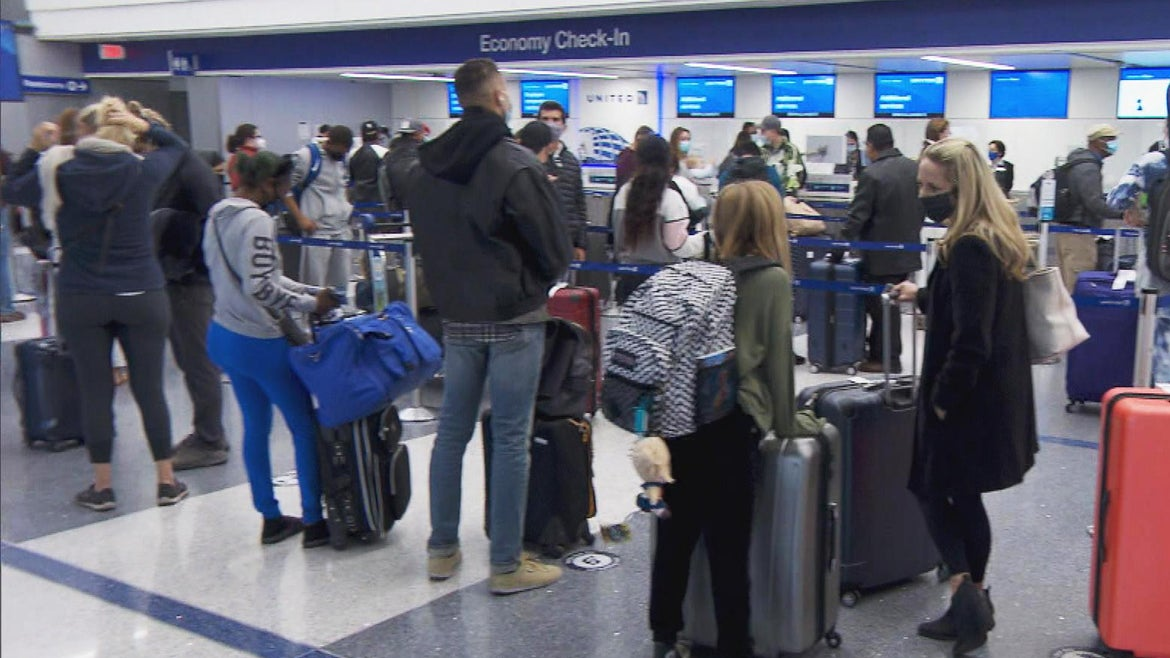People traveling on Thanksgiving