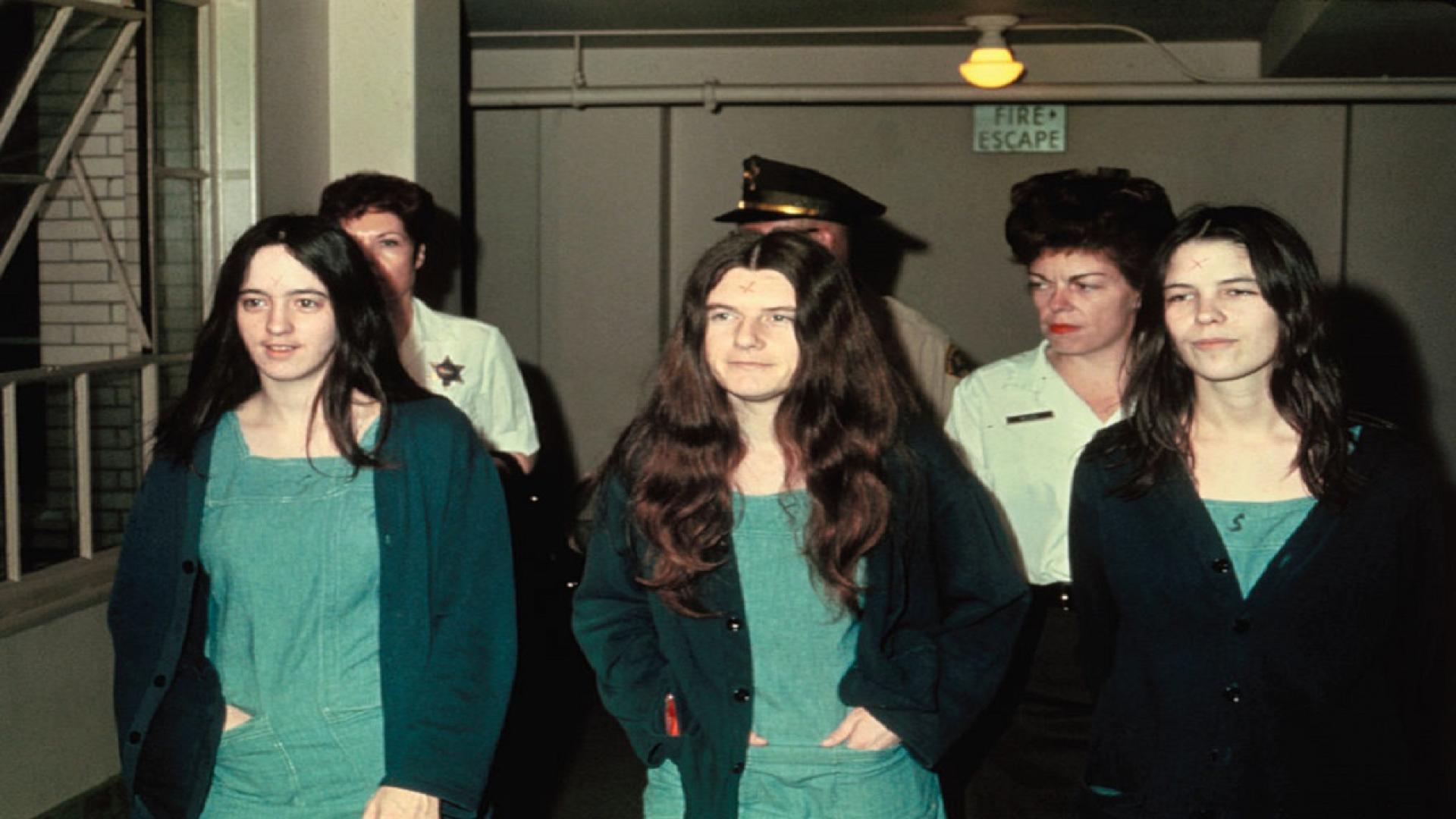 Leslie Van Houten, right, at her 1970 trial in Los Angeles.
