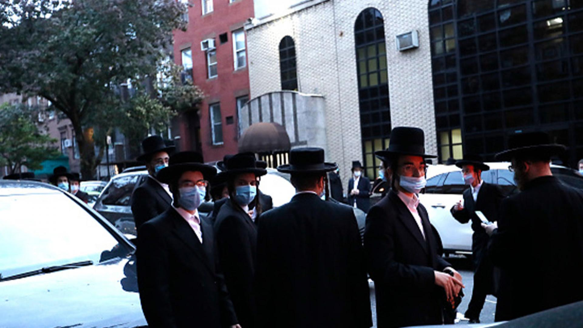 Outside the Yetev Lev Synagogue in Williamsburg