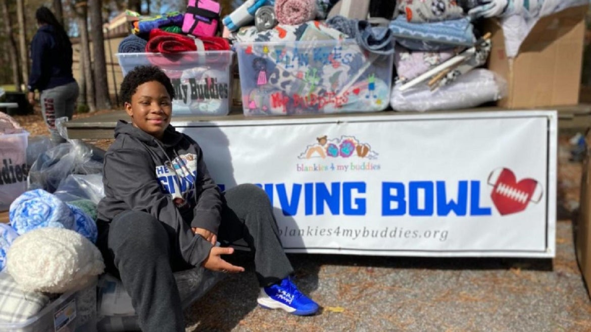A Georgia teen is helping kids in need, one blanket at a time.
