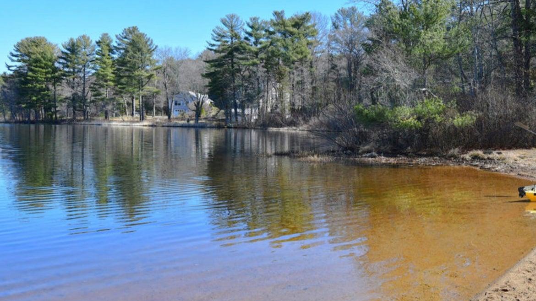 Crooker Memorial Park and Island Creek Pond