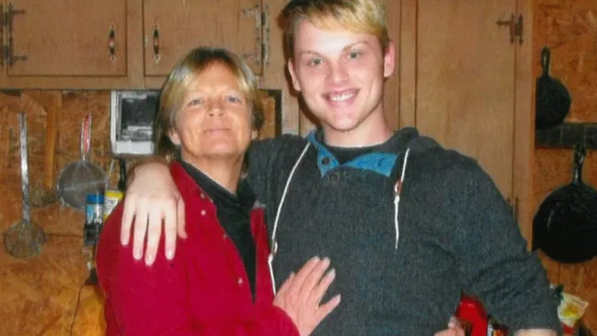 Stephen Smith (left) and his mother Sandy (right)