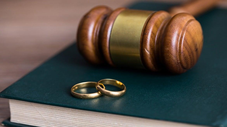 Kentucky judge's ruling stuns divorcing couple.